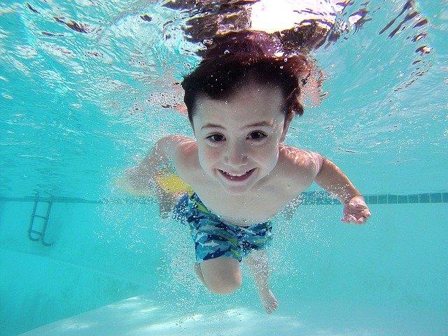 Jak wygląda nauka pływania? Gdzie uczyć się pływać w Krakowie?